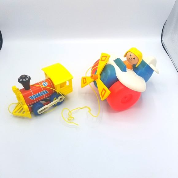 Vintage 1964 Fisher Price Toot Toot Pull Along Tra